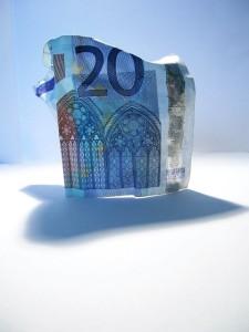 Kulutusluoton avulla voi hetkeksi tasapainottaa taloutta